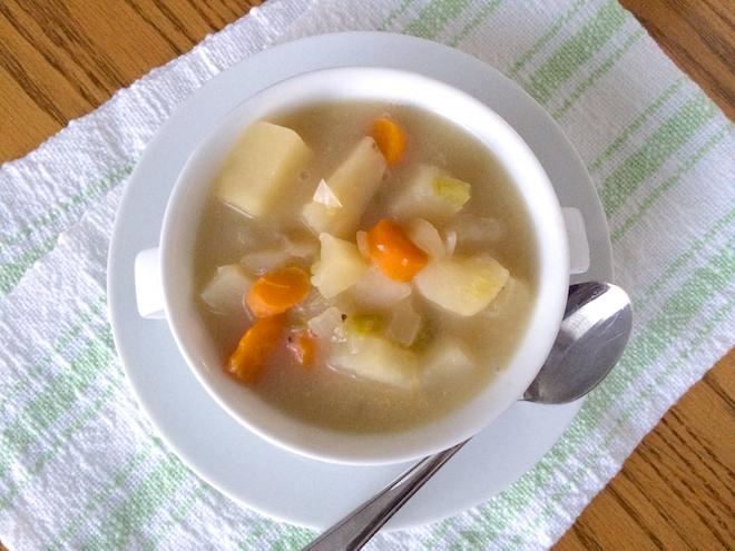 Crock Pot Potato Soup (Gluten-Free Dairy-Free) | RachaelRoehmholdt.com