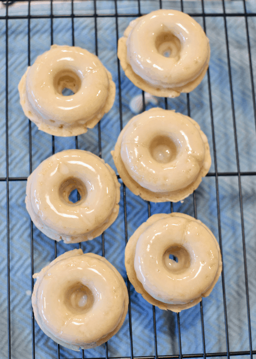 Gluten-free Donuts (vegan, dairy-free) - letting glaze dry