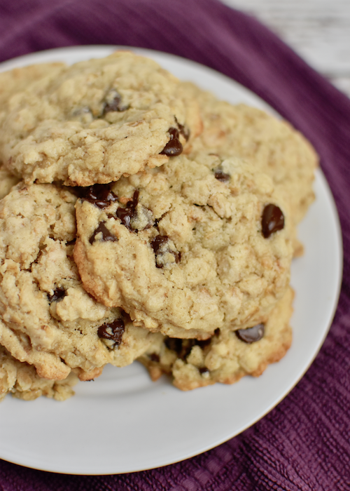 Gluten-free Oatmeal Chocolate Chip Cookies - Cool and enjoy