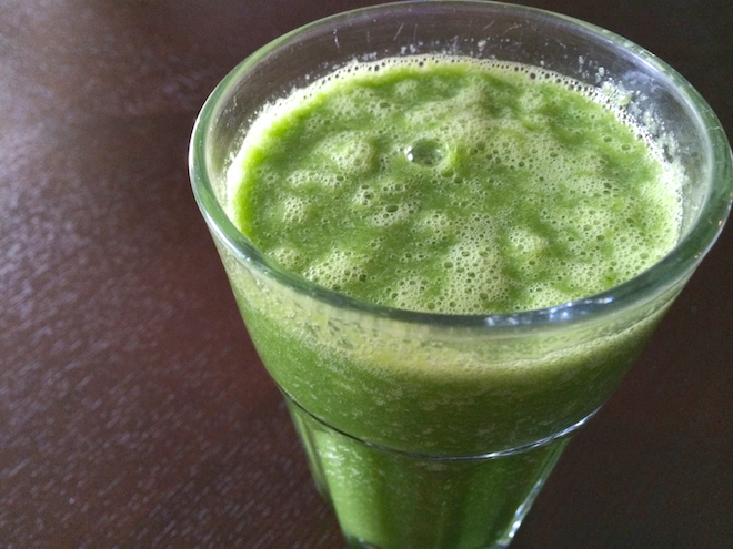 BEYOND SPINACH – 5 GREENS TO PERK YOU & YOUR SMOOTHIES UP | RachaelRoehmholdt.com