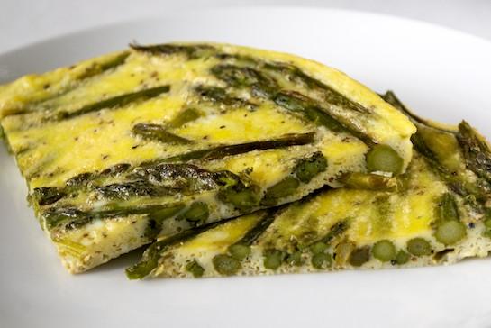 Roasted Asparagus Frittata | RachaelRoehmholdt.com