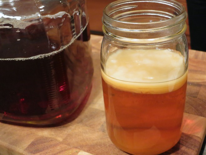 How To Brew Kombucha At Home | RachaelRoehmholdt.com